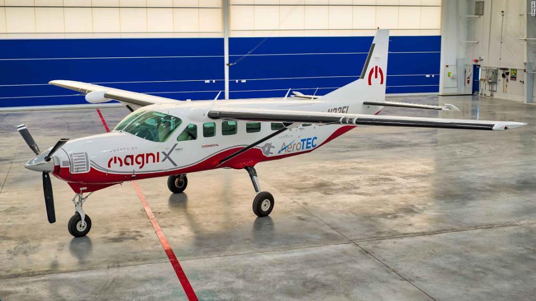 Pesawat all-electric terbesar untuk melakukan penerbangan perdana