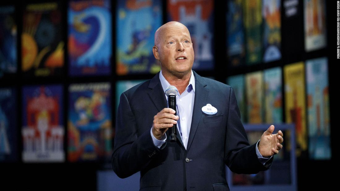 CEO Disney menjelaskan mengapa aman untuk kembali ke Disney World