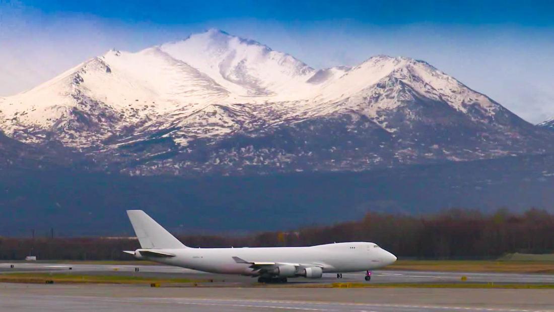 Ini sekarang bandara tersibuk di dunia ... pada hari Sabtu