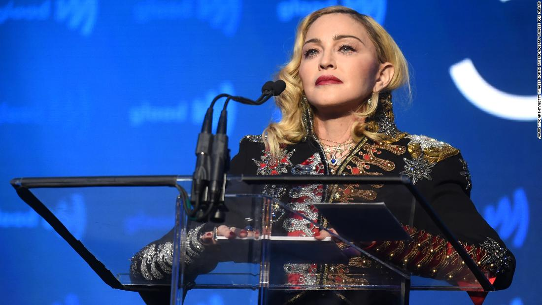 Madonna memposting video putranya menari, tetapi itu tidak mengakhiri rasisme