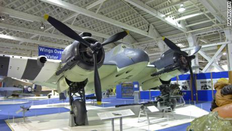 Contoh terpelihara dari Bristol Beaufighter TF.X di RAF Museum, London.
