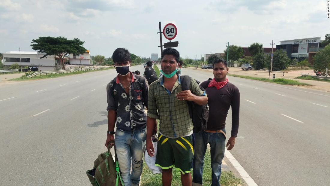 Penguncian virus korona India: Perjalanan pulang sejauh 1.250 mil yang menyakitkan bagi seseorang ... berjalan kaki