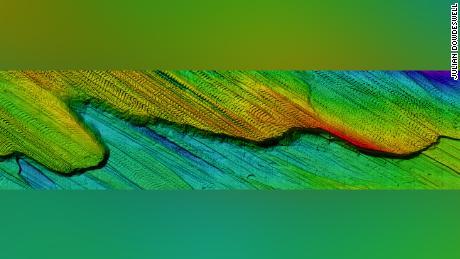 Using autonomous underwater vehicles, scientists studied ridges on the seafloor.