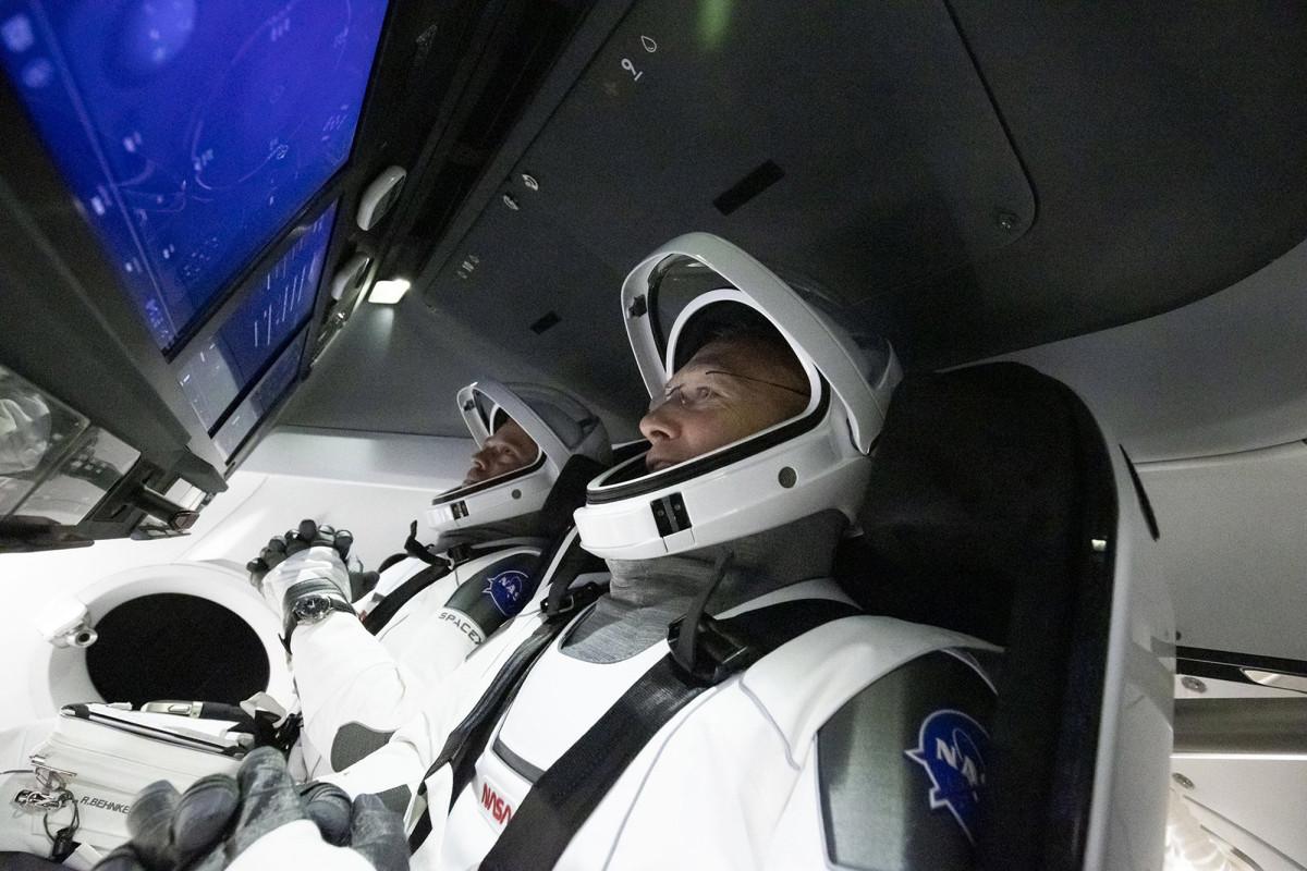 Astronot NASA mengikat kapsul SpaceX lagi untuk peluncuran bersejarah