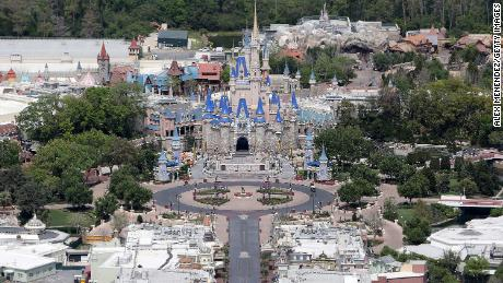 Disney World menetapkan tanggal pembukaan kembali
