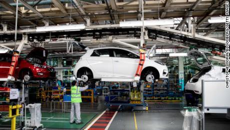 Renault dapat & # 39; menghilang & # 39; tanpa bantuan pemerintah, menteri keuangan Prancis memperingatkan