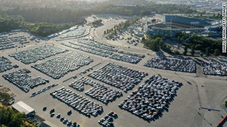 Industri mobil sewaan hampir berhenti. Inilah yang artinya bagi para pembuat mobil dan pembeli mobil