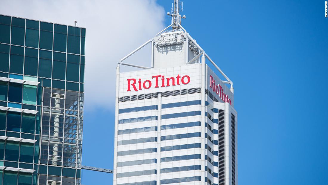 Rio Tinto: Miner meminta maaf karena meledakkan situs pribumi suci berusia 46.000 tahun di Australia Barat