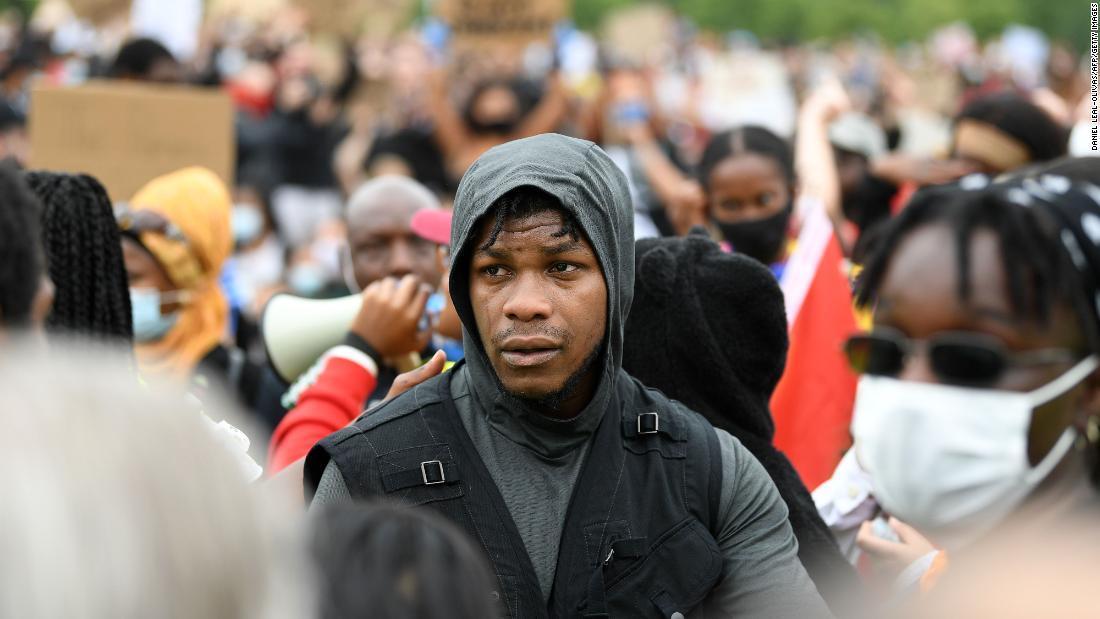 John Boyega mengatakan pada pengunjuk rasa London Black Lives Matter: 'Sekaranglah saatnya'