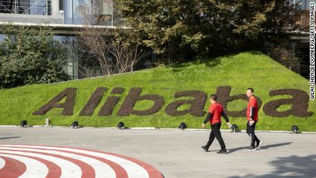 Kepulangan Alibaba adalah tentang menyenangkan Tiongkok dan membeli asuransi perang dagang