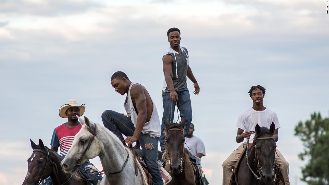 """Delta Hill Riders"" karya Rory Doyle berfokus pada budaya koboi hitam hari ini"