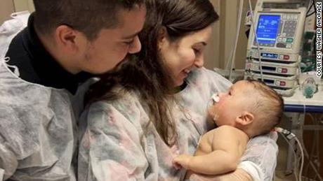 Bayi Brasil berusia lima bulan selamat dari coronavirus setelah 32 hari dalam keadaan koma