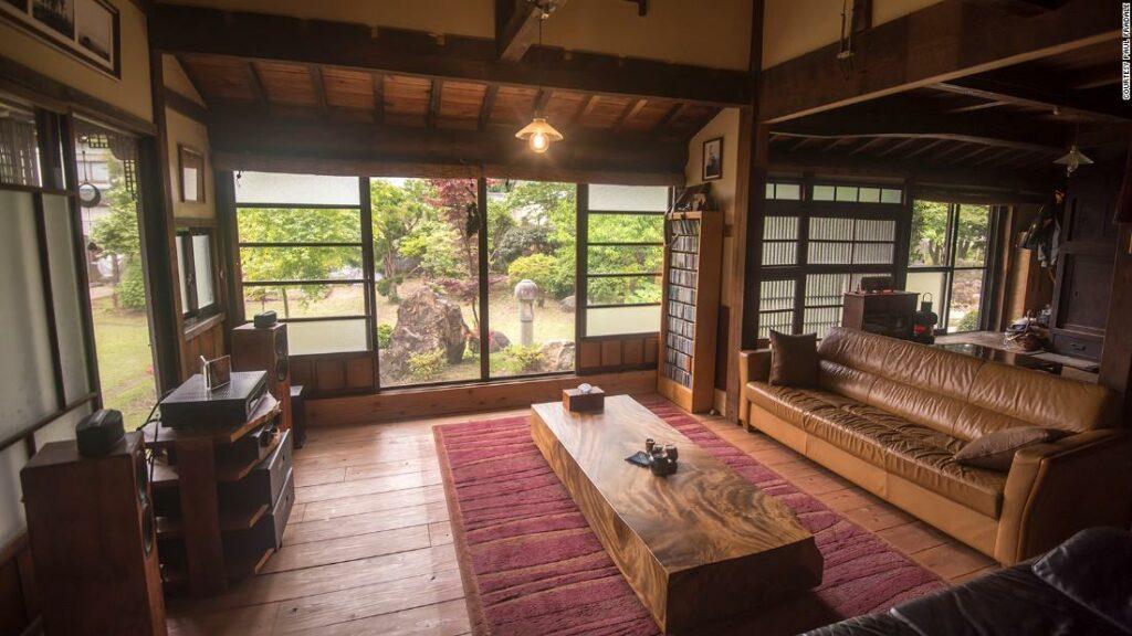 Ekspatriat membeli rumah impian mereka di pedesaan Jepang