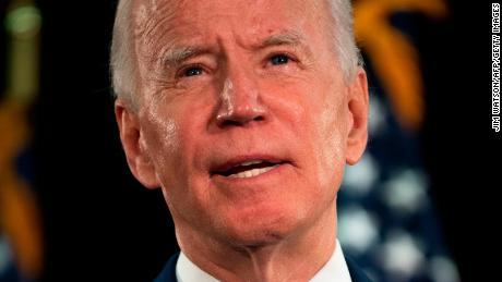 Biden mendukung penghapusan nama Konfederasi dari aset militer AS