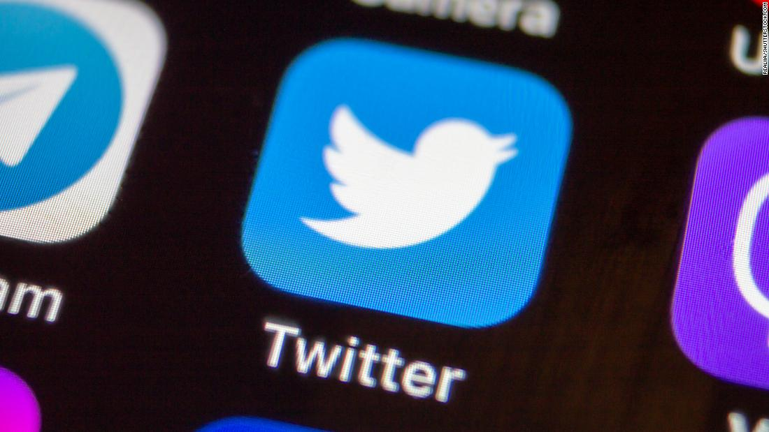 "Analisis: tweet Presiden Trump yang mendesak pengikut untuk menjatuhkan Comast adalah ""penyalahgunaan kekuasaan."""
