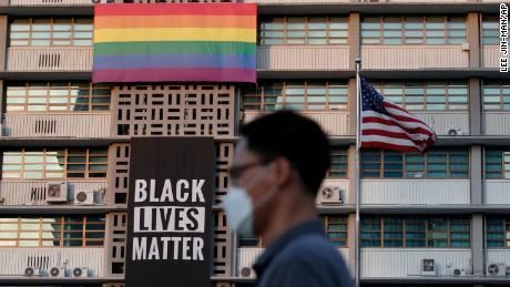 Kedutaan Besar AS di Seoul menghapus spanduk Black Lives Matter dan bendera Pride