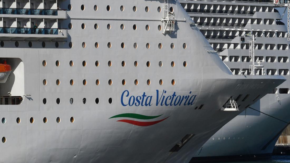Kapal pesiar karnaval dinamai untuk pembongkaran di tengah krisis Covid-19