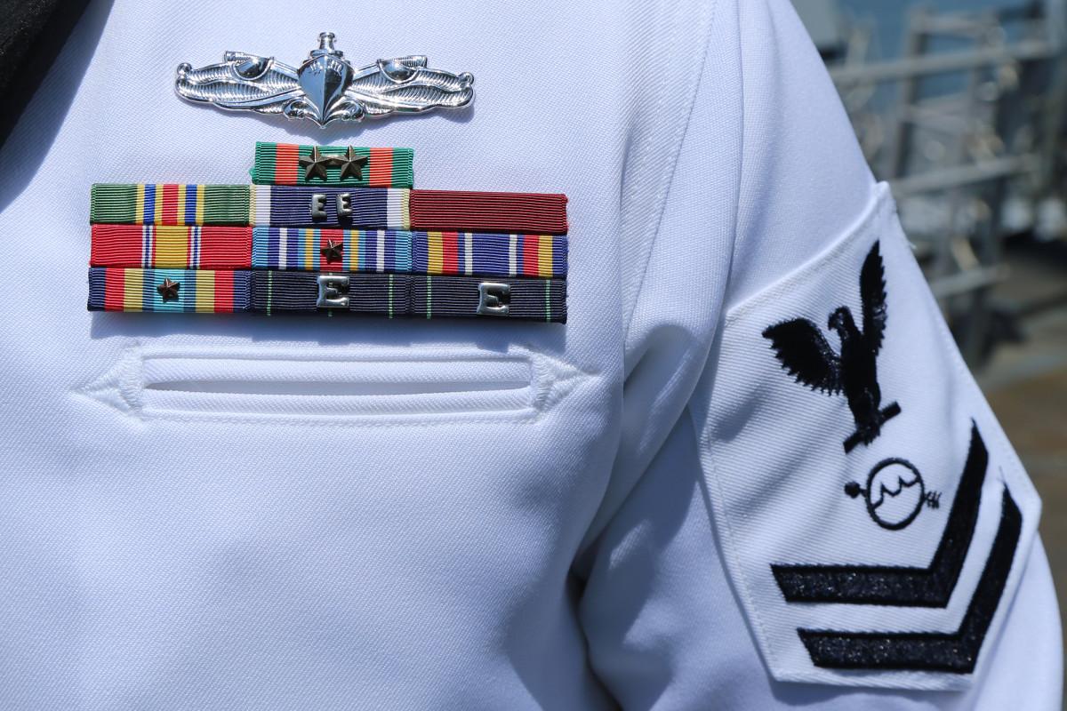 2 tewas dalam kecelakaan Alabama adalah pilot Angkatan Laut di pesawat sipil