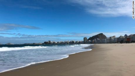 Pantai terkenal di dunia dikosongkan oleh coronavirus