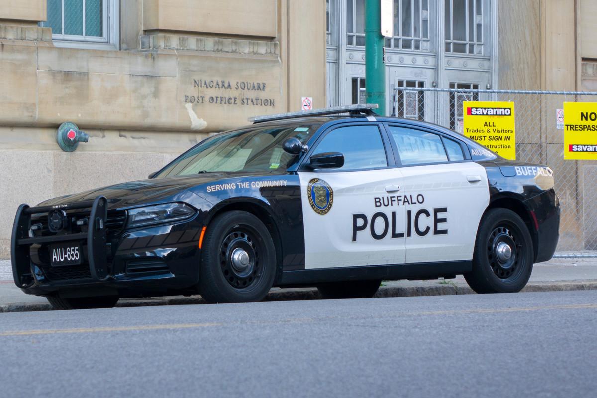 Buffalo ingin pensiun dikembalikan untuk polisi yang berhenti chokehold
