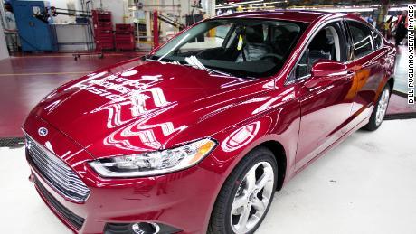 Ford Fusion adalah salah satu mobil yang terlibat dalam penarikan.
