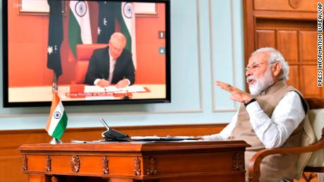 Perdana Menteri India Narendra Modi berbicara selama pertemuan virtual dengan Perdana Menteri Australia Scott Morrison, di New Delhi, India, Kamis, 4 Juni 2020.