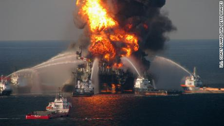 Ted Danson: Tumpahan minyak BP seharusnya merupakan panggilan bangun