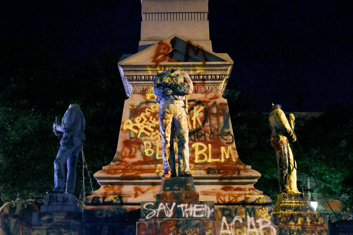 Konfederasi, patung Columbus hancur di seluruh AS di tengah protes