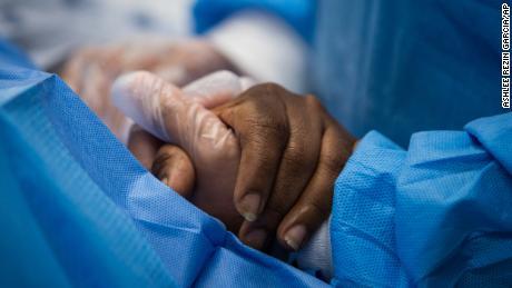 Pandemi virus corona menyerang orang Amerika hitam dan coklat terutama di semua bidang
