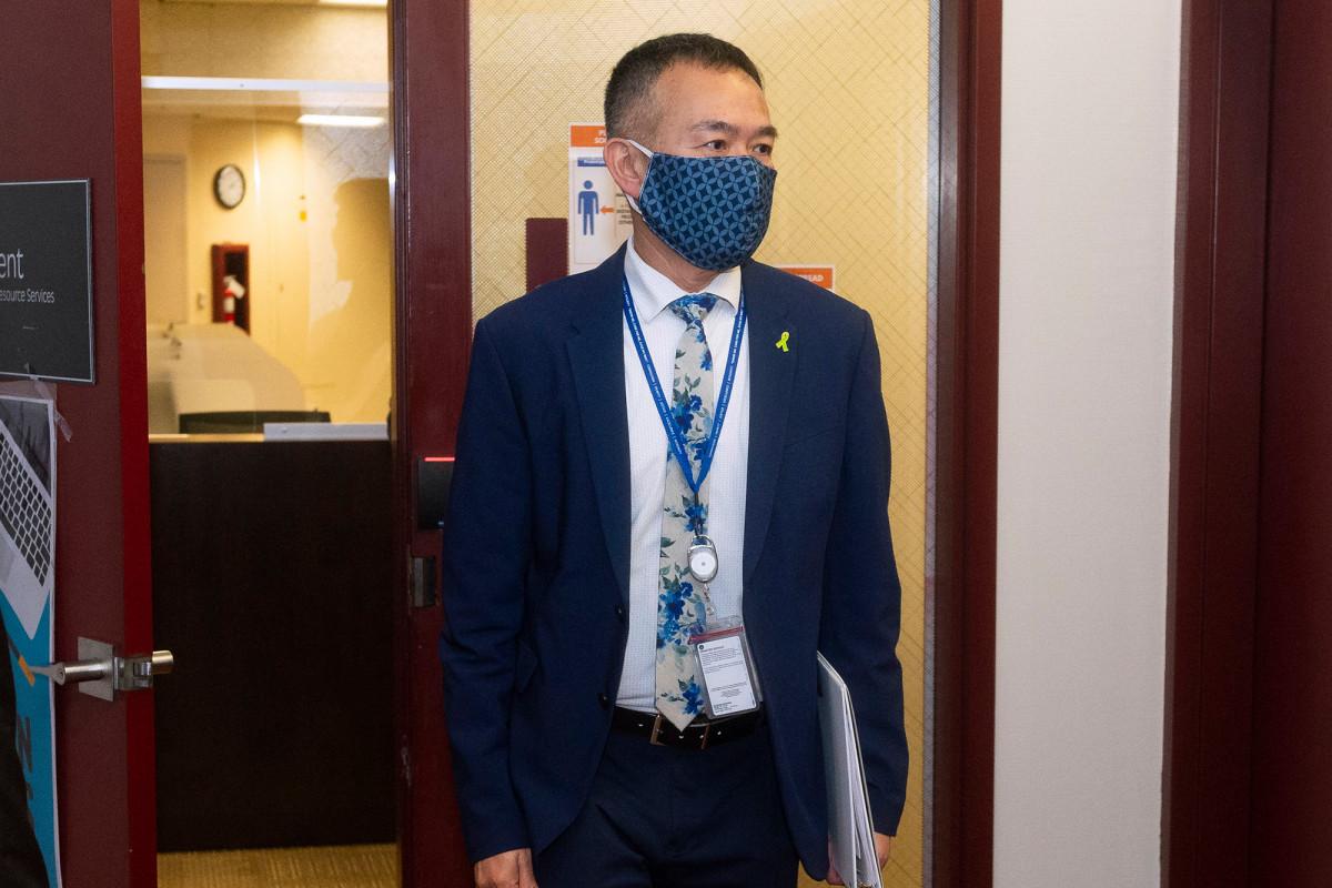 Masker wajah tidak lagi diperlukan di Orange County, California.