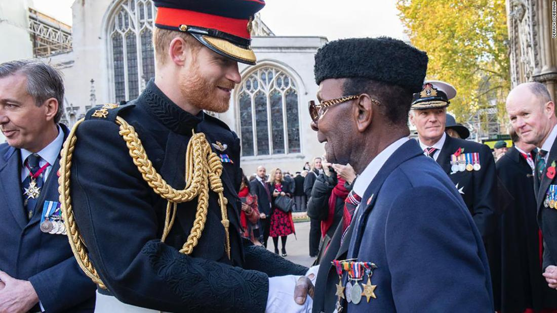 Pangeran Harry menulis kepada veteran Ghana untuk memberi selamat kepadanya atas upaya penggalangan dana