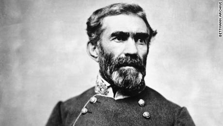 Saat Trump kehilangan jenderalnya, ia berpegang teguh pada warisan kegagalan Konfederasi