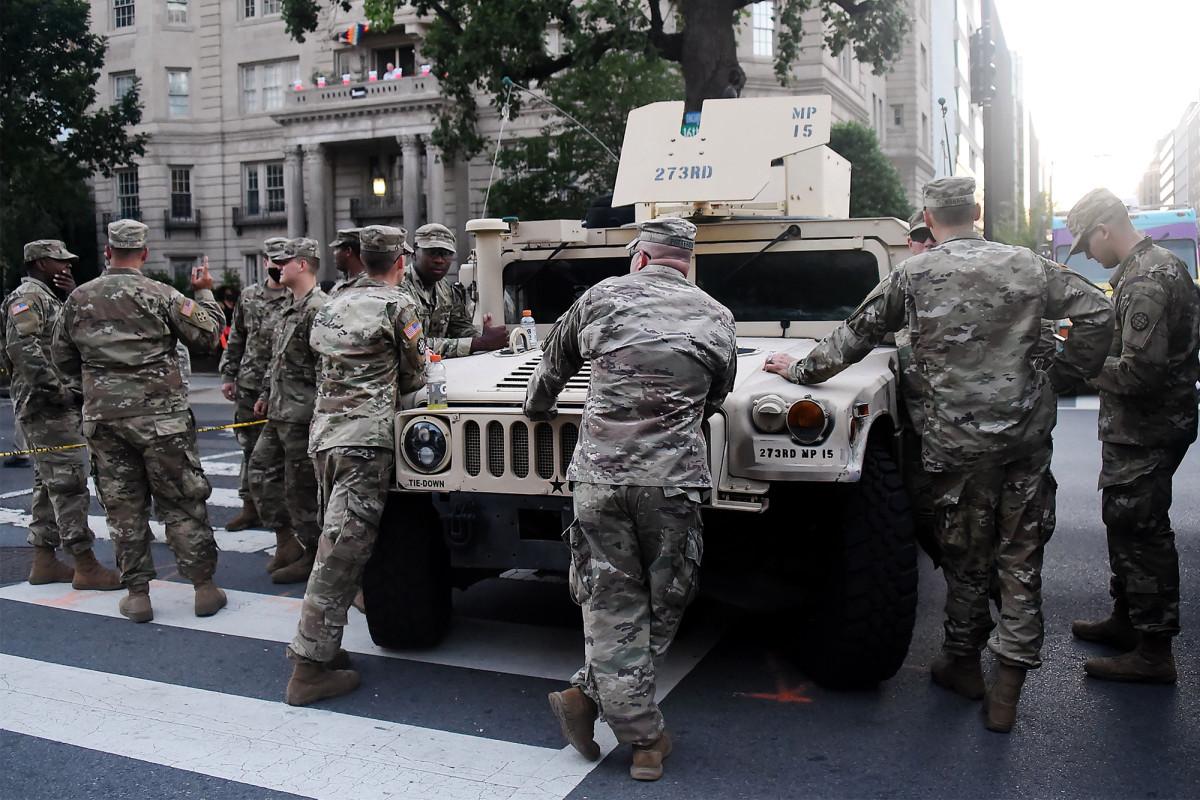 Pasukan Garda Nasional dinyatakan positif COVID-19 setelah protes