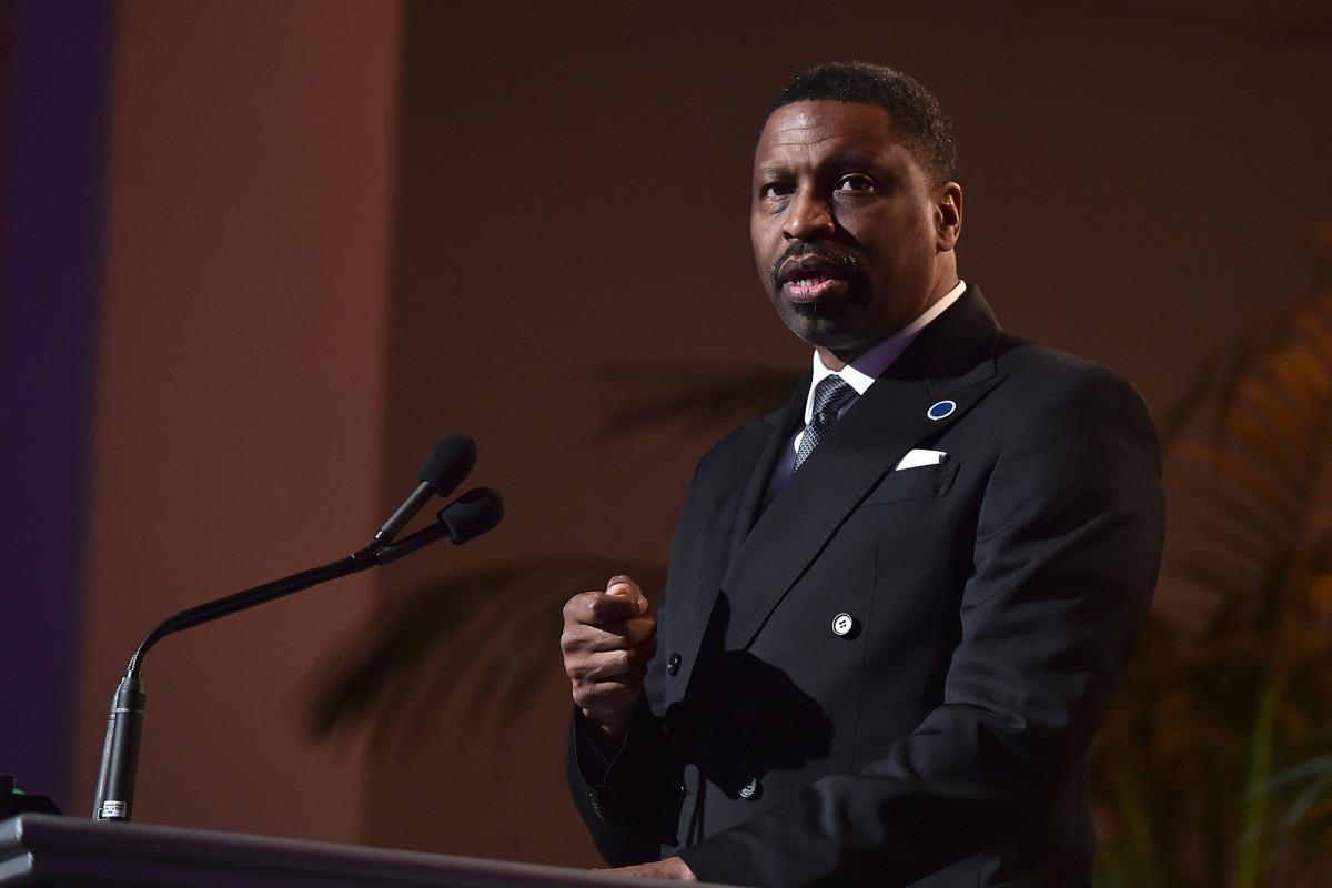 Presiden NAACP tidak mendukung gerakan 'menggunduli polisi'