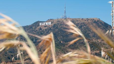 Produksi film dan TV yang berbasis di California akan segera diizinkan untuk kembali bekerja