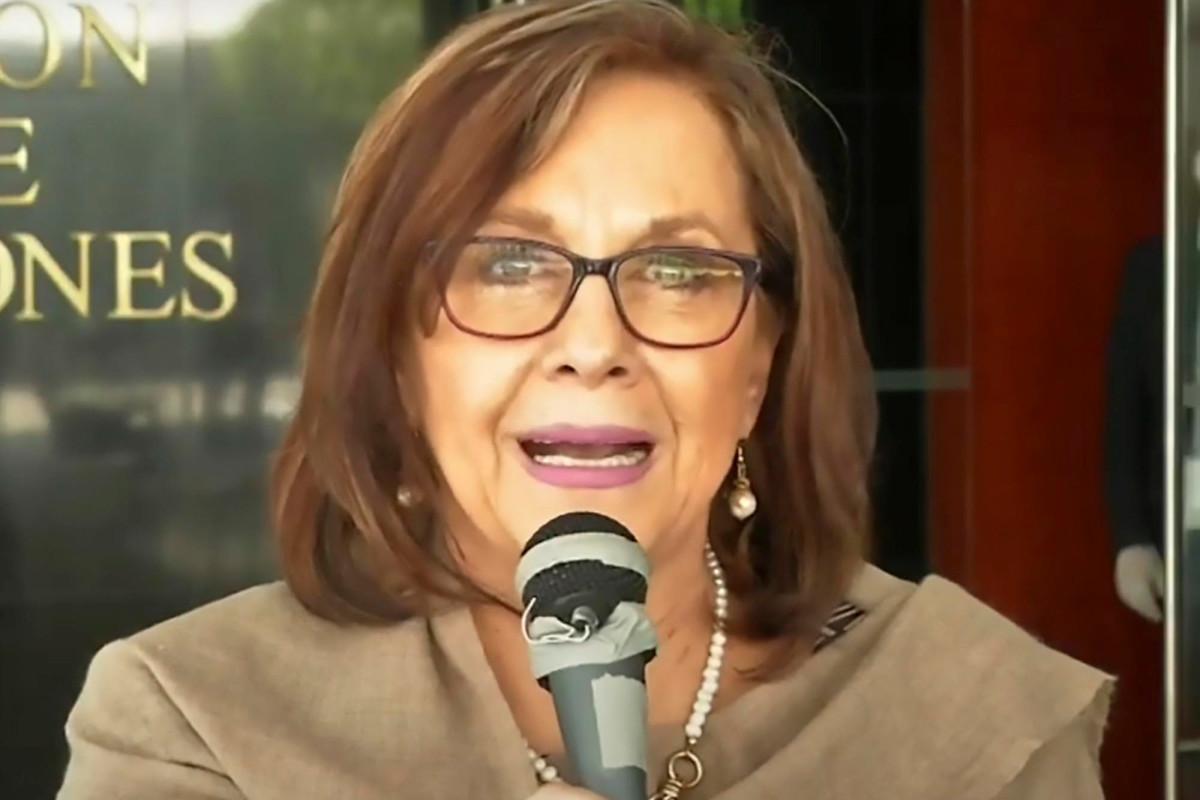 Senator Meksiko secara tidak sengaja membuka rapat di Zoom