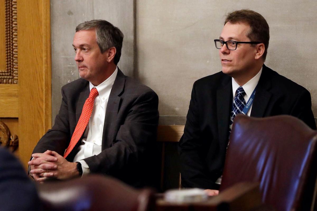 Tennessee harus mengizinkan pemungutan suara melalui surat untuk semua di tengah virus, kata hakim