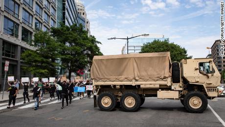 Eksklusif: Komandan Garda Nasional DC mengatakan pasukan tambahan dapat meninggalkan ibukota pada hari Senin